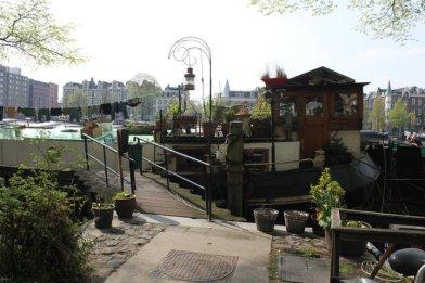 Houseboat_Amsterdam